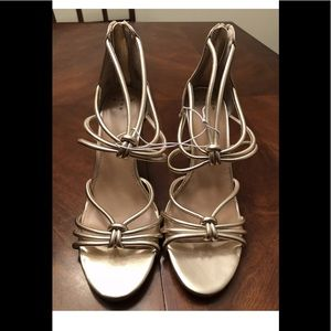 A new day gold heels size 8 NWT